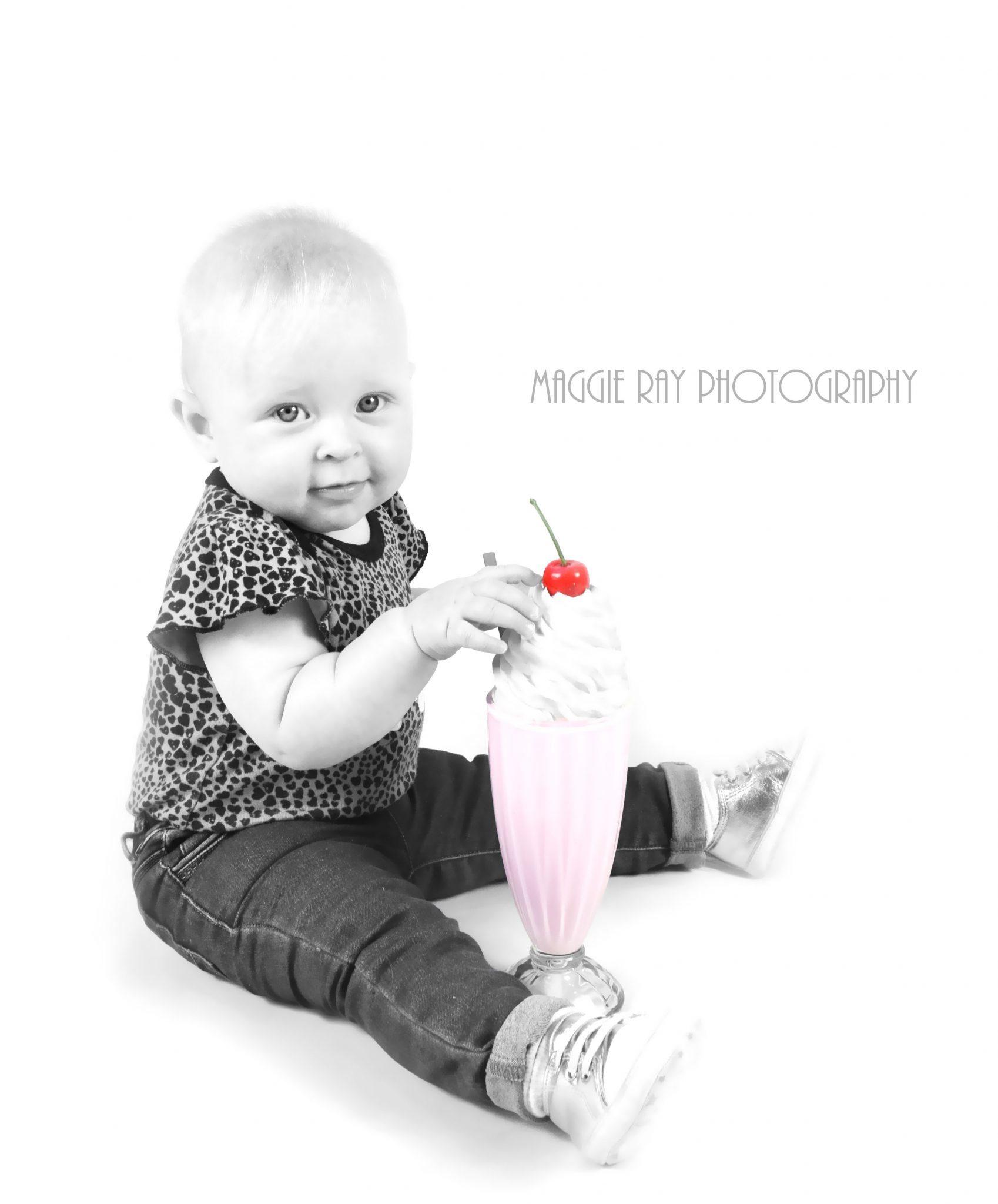 Maggie Ray Pin Up & Retro Photography Studio