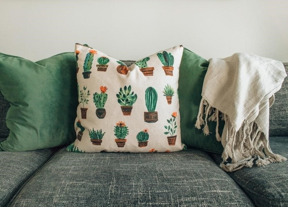 5 Ways to Make Your Living Room Cosier